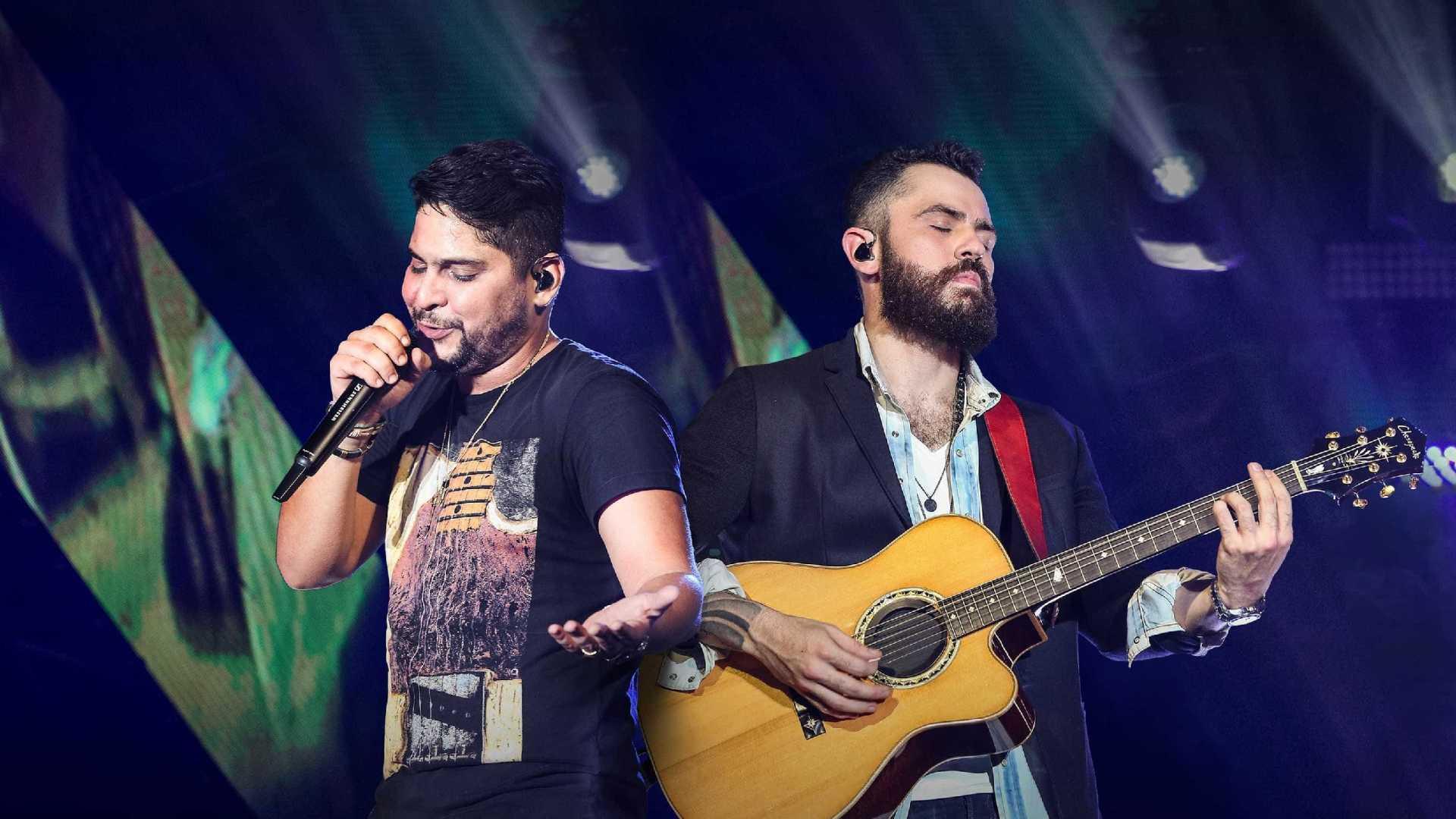 """""""Ce é louco"""" é a nova música de Jorge e Mateus"""